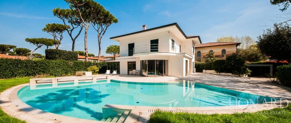 Lionard ville in vendita in italia elblog - Case bellissime con piscina ...